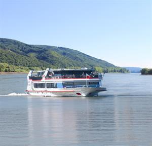 Sunset Schifffahrt Ab Ybbs An Der Donau Marktgemeinde